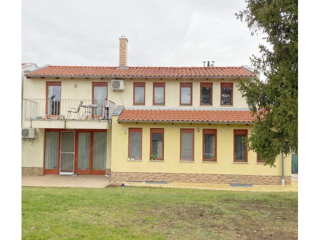 Eladó családi ház 280m2 Budapest, XI. kerület Sasad felett*