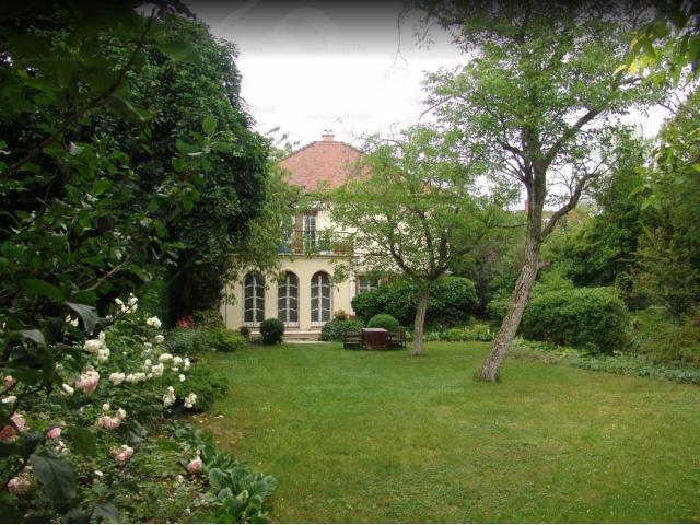 Eladó családi ház 370m2 Budapest, II. kerület Törökvész