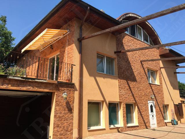 Eladó családi ház 300m2 Budapest, III. kerület Táborhegy