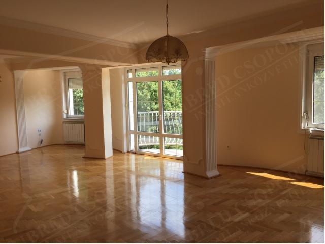 Eladó családi ház 700m2 Budapest, XII. kerület Mártonhegy