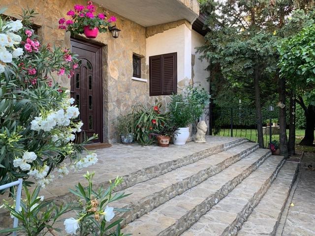 Eladó családi ház 400m2 Budapest, XI. kerület -Budaörs határán